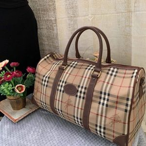Burberry Bags - BURBERRY VINTAGE DUFFLE/BOSTON BAG VGUC